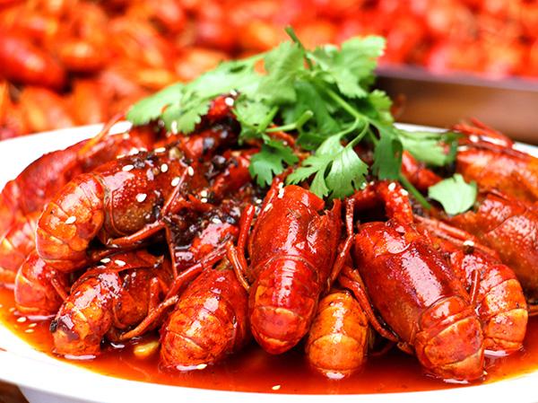 特色油焖小龙虾